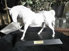 COLLECTABLE BESWICK ENGLAND SPIRIT OF FREEDOM WHITE HORSE ON BLACK PLINTH
